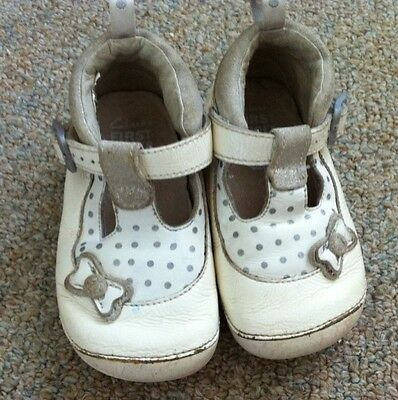 baby girls clarks shoes size 4.5 white first shoes