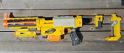 NERF N-Strike Recon CS-6 Blaster, Tactical Light, Barrel Ext., Stock, Clip+Darts