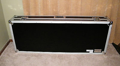 Roland Keyboard Case With Wheels  76 Key - Used - Works Great