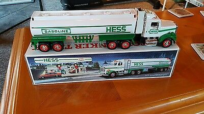 Brand New In The Box 1990 Hess Toy Tanker Truck