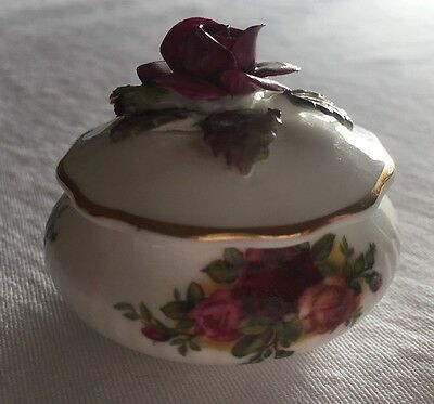 Vintage Royal Albert Old Country Roses 3D bone china lidded trinket pot.