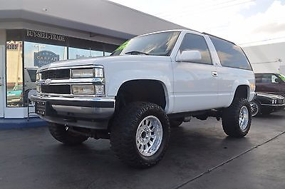 1998 Chevrolet Tahoe LS 2 door 1998 Chevrolet Tahoe LS 2 door Vortec V8 Lifted Custom Rare truck Like Blazer