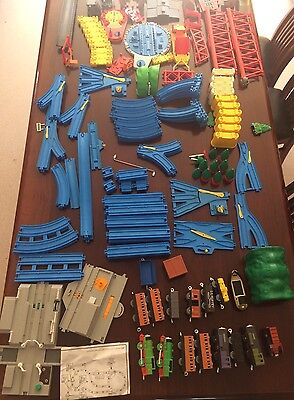 Huge Tomy Thomas The Tank Engine Train Set 80+ Pieces