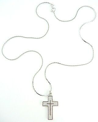 Beautiful (7.34g) 18ct White Gold Necklace & 14ct 0.35ct Diamond Cross