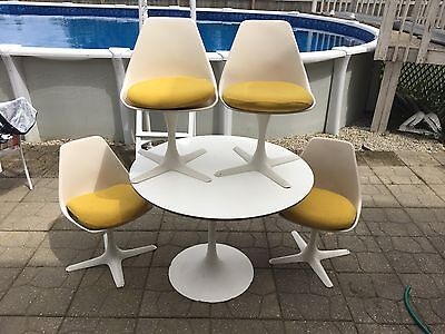 4 Vintage Mid Century Modern White Tulip Saarinen Style Burke Chairs And Table