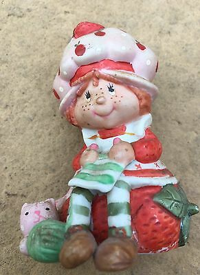 Vintage Strawberry Shortcake Porcelain figurine, knitting, Custard & yarn