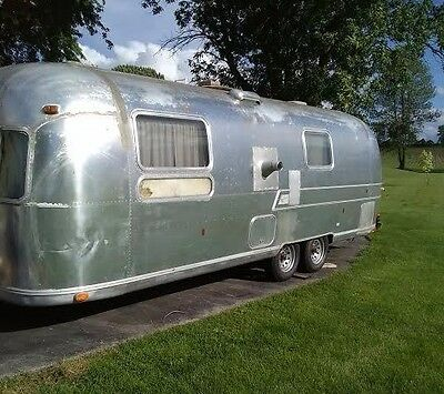 1973 airstream, new rims and tires 27ft
