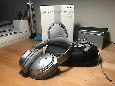 BOSE QC35 Wireless Noise Cancelling Headphones (Silver)