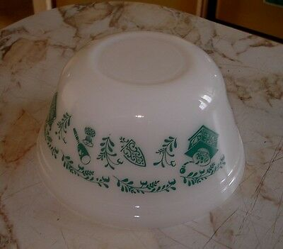 Vintage Federal Milk Glass Kitchen Aids Mixing Nesting Bowl