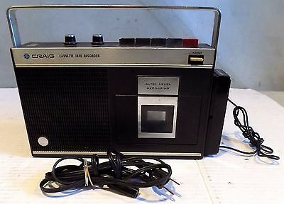 Craig 2611 Portable Cassette Player / Recorder - - For Repair or Parts