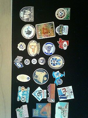 LOT OF 25  PIECES KIWANIS pins New York New Orleans Etc from the 90s see pic