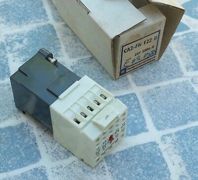 Telemecanique CA2-FN122 B Relay 24V 50Hz-B