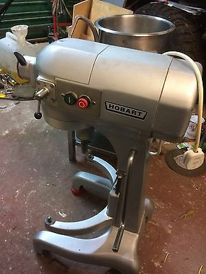 Hobart A200 20Quart 240v dough mixer with stand little use excellent condition