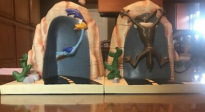 Looney Tunes Wile E. Coyote Road Runner Book Ends Warner Brothers Cartoon
