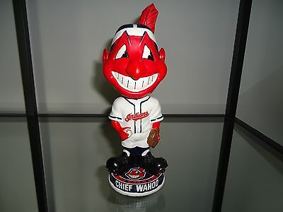 "2010 MLB Cleveland Indians 8.5"" CHIEF WAHOO Bobblehead Knuckle Heads"