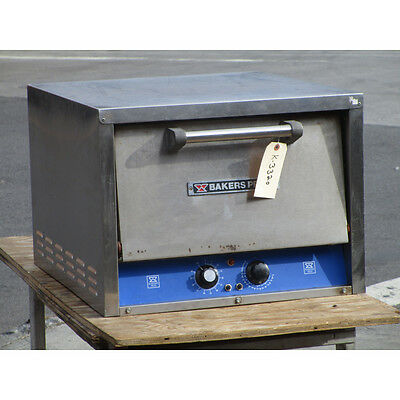Bakers Pride P18 Countertop Pizza Oven, Very Good Condition