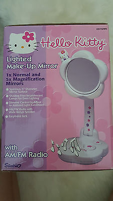 HELLO KITTY Light-Up Makeup Mirror