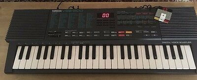 yamaha VSS-200 sampling keyboard vintage synthesiser