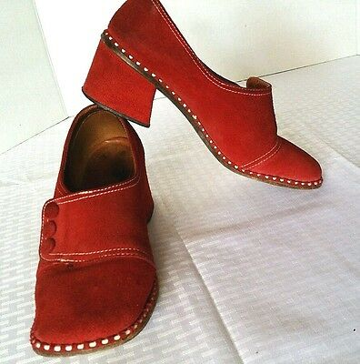 Vintage Women's 70s Mod Red Suede Slip On Low Heel Loafers sz 7.5
