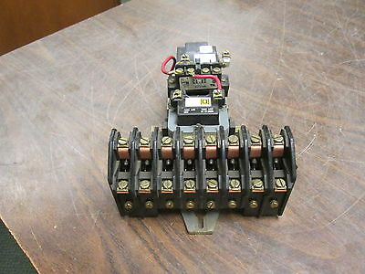 Square D Lighting Contactor 8903 LX080 120V Coil 20A 600V Used
