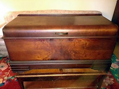 Vintage 1940's Waterfall Style  Bedroom Cedar Chest E.R. Roos