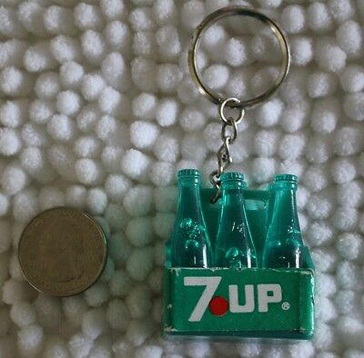 7-UP The Uncola Vintage 6 Pack of Bottles Keychain Key Ring #24075