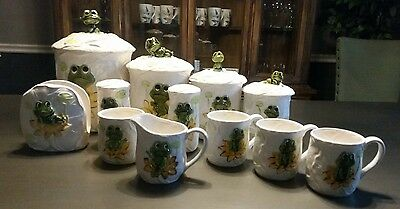 VINTAGE Sears, Roebuck, and Co 1978 Neil the Frog 12 piece set kitchen/dining