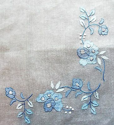 Immaculate Vintage 1980s Hand Embroidered & Appliqued White Cotton Voille Runner