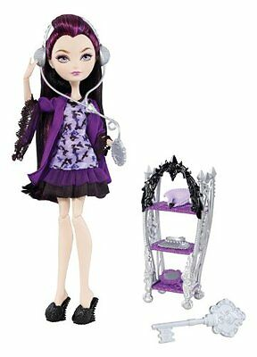 Ever After High - Raven Queen Getting Fairest Doll