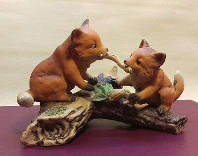 Homco Masterpiece figurine 1981 Foxes playing