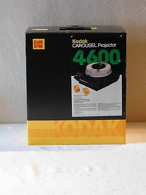 KODAK CAROUSEL 4600 SLIDE PROJECTOR WITH Remote / Lens / 140 SLIDE TRAY