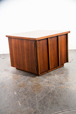 Mid century modern Side table End Nightstand Lane Drexel Vintage Danish Drexel M