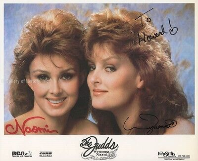 Judds - Inscribed Photograph Signed With Co-Signers
