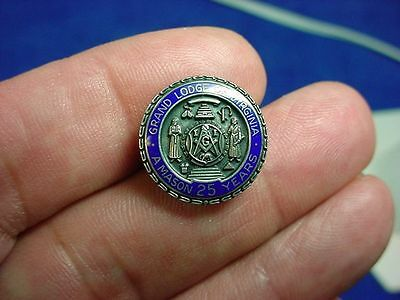1940-50s Grand Lodge of Virginia 25 Year A Mason Sterling Silver Lapel Pin