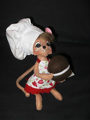 Annalee Dolls: 6 Inch Whoopie Pie Chef Mouse