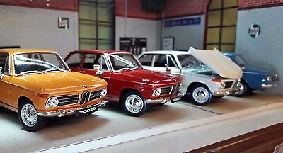 LGB 1:24 Scale BMW 2002 02 Series Ti Tii 1966 V Detailed Welly Diecast Model Car