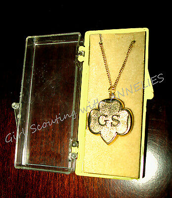 NEW 14K Gold Plate Girl Scout LOCKET in BOX 1950s RARE Special GIFT Combine