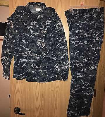 US Navy NWU Digital Blue Uniform Shirt / Pants (size Med. Reg.)