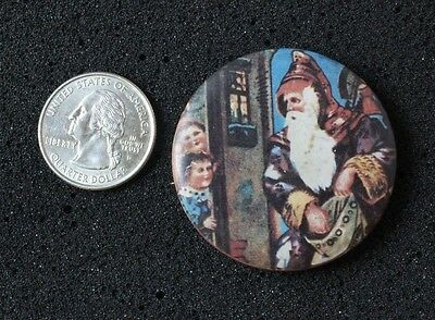 Vtg 1950s 1960s Holiday Christmas Santa With Toy Bag Celluloid Button #2310