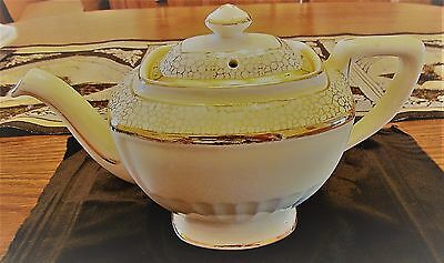 Vintage Hall Victorian Hollywood Teapot 6 Cup Off White Creme Made in USA beige