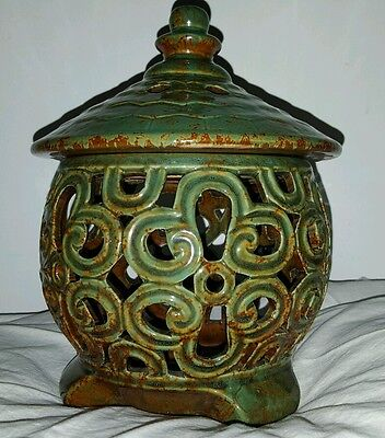 Oriental jade green china vase candle holder marked with removable lid