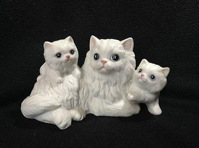 Homco Vintage Persian Cat Mother with 2 Kittens