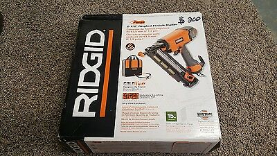 RIDGID 15-Gauge 2-1/2 in. Angled finish Nailer pneumatic cold fire soft case new
