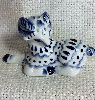"""Blue And White Porcelain Big Horn Mountain Sheep Figure Signed 4"""""""