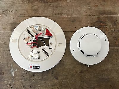 SIMPLEX 2098-9201 Smoke Detector & 2098-9211 Detector Base. FREE SHIPPING!