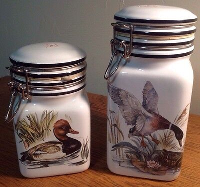 Pre-Owned Set 2 HAND PAINTED DUCKS CERAMIC CANISTERS BIZZIRRI ITALY