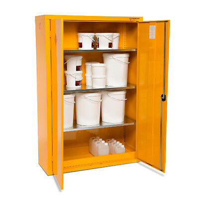 Armorgard SafeStor HFC7 Hazardous Chemical Cupboard (900 x 465 x 1800) Incl VAT