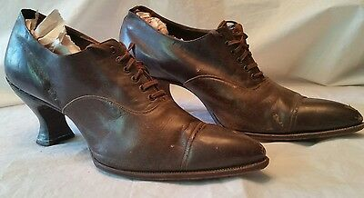 Beautiful Antique Vintage Women's Spool Heel Brown Lace Up Shoes early 1900s