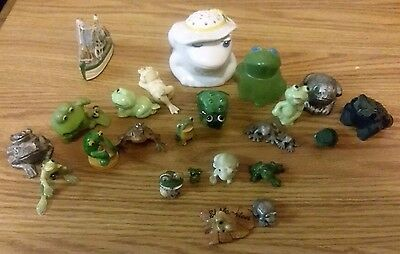 more than 20 Frog figurines (multiple materials,multiple origins,multiple sizes)