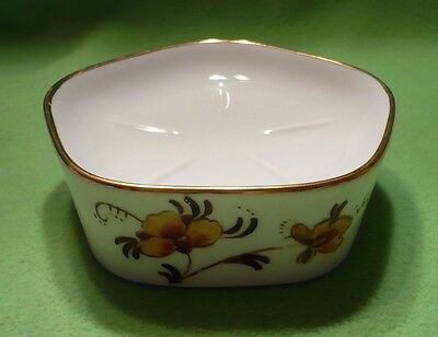 Vintage artist signed Sunday Painter SOAP DISH with colorful flowers. Excellent
